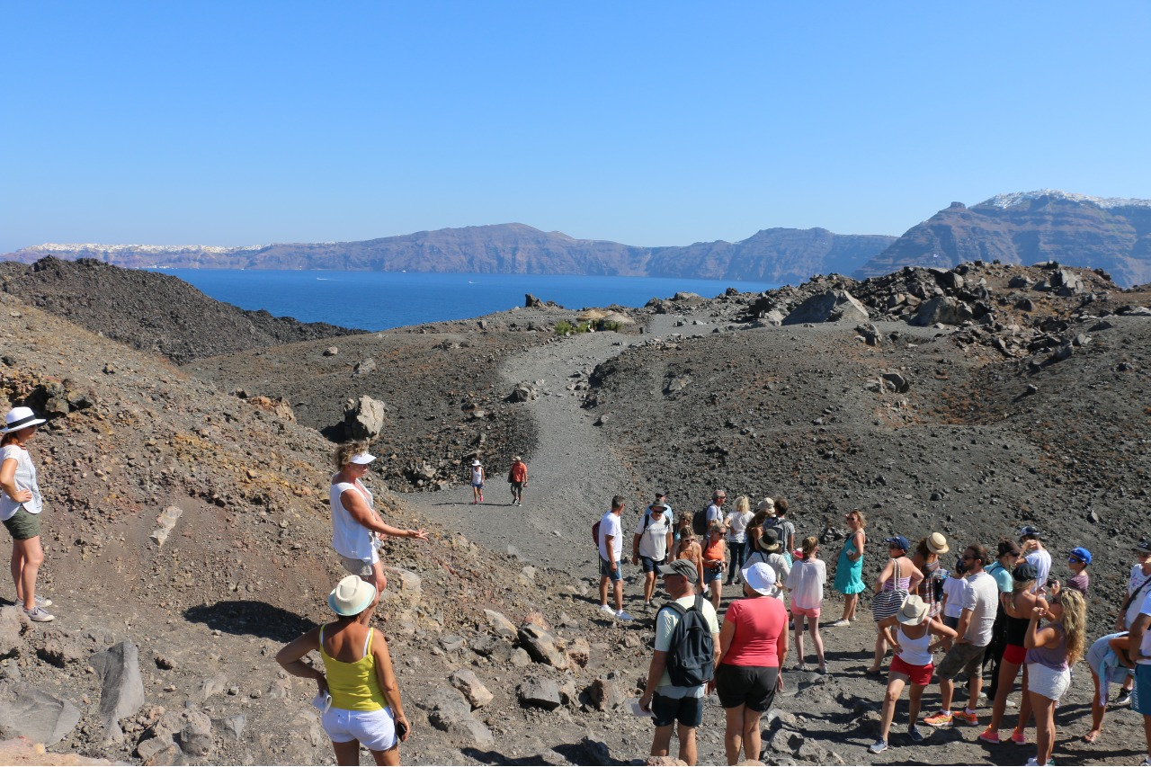 JOUR 3 : EXCURSIONS OPTIONNELLES OU RANDONNEES A SANTORIN