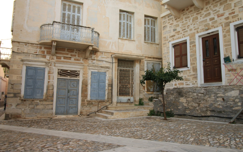 JOUR 7 : VISITE DE SYROS EN LIBERTE